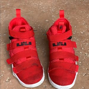 Kids Nike LeBron Soldier 11 Fly Ease